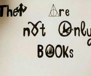 books and divergent image