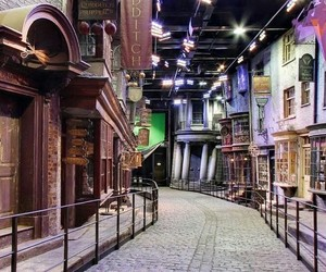 alley, harrypotter, and diagonalley image