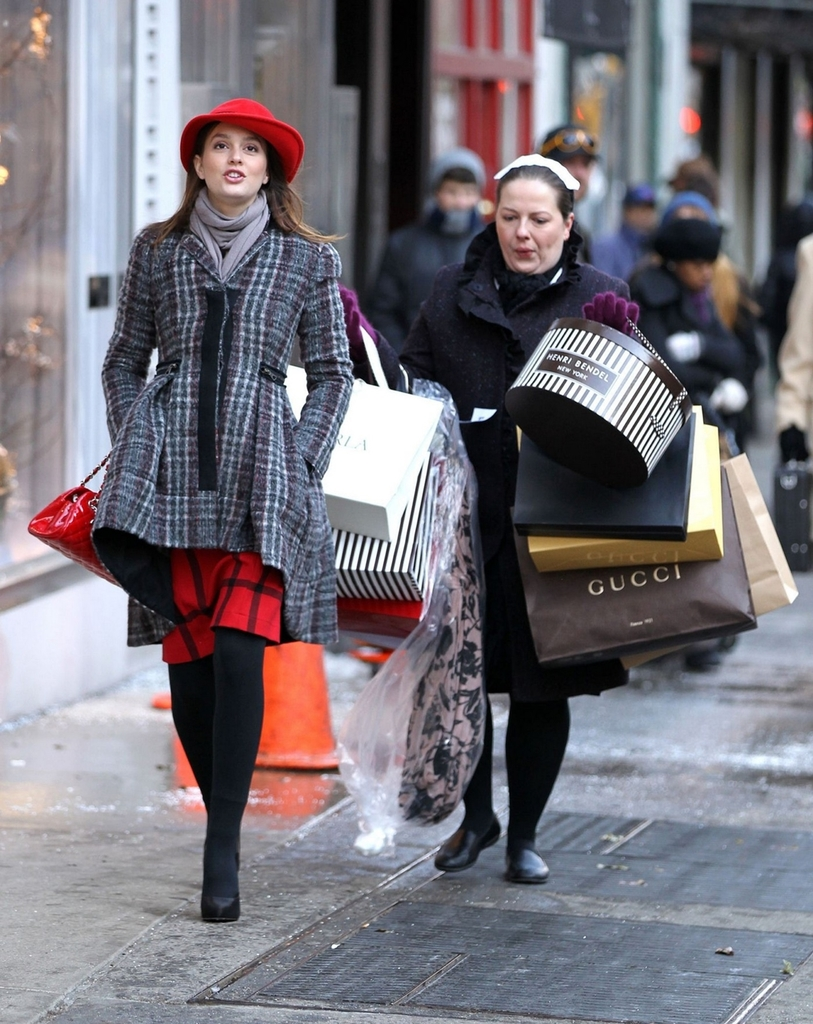 shopping, dorota, and blair waldorf image