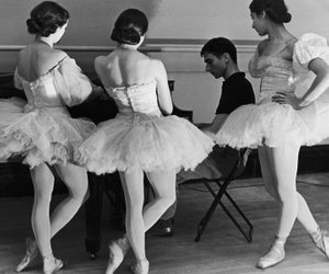 b+w, ballerinas, and pointe shoes image