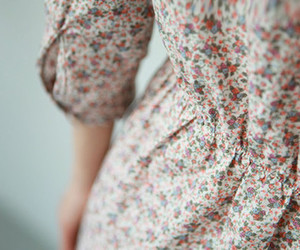 dress, vintage, and flowers image