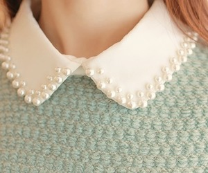 collar and pearls image
