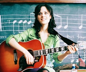 zooey deschanel, bridge to terabithia, and guitar image