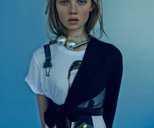 holly rose, i-D, and beau grealy image