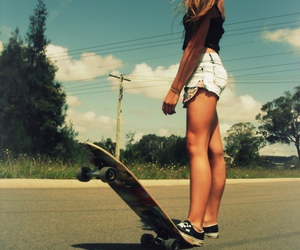 girl and sk8 image