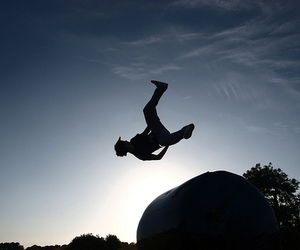 guy and parkour image