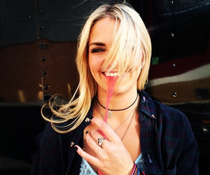 rydel lynch and r5 image