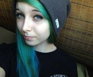 dyed hair, green hair, and girl image