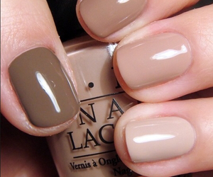color neutral and brown simple nails image