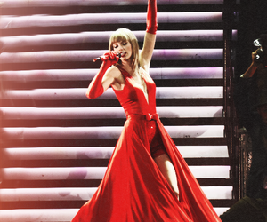Taylor Swift, red, and the lucky one image