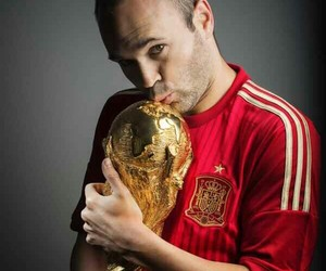 espana and andres iniesta image