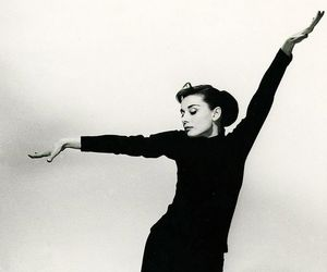 audrey hepburn, funny face, and beauty image