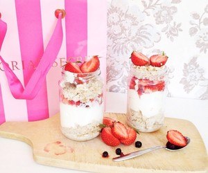 food, berries, and cupcake image