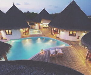 absolute love, chill, and Maldives image
