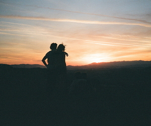 couple and landscape image