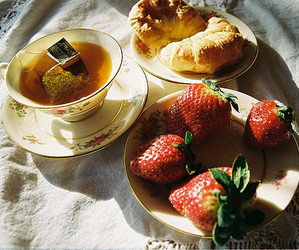 strawberry, breakfast, and tea image