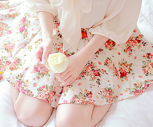fashion, ulzzang, and floral image