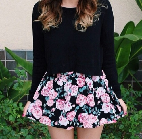 8222a451b8 232 images about crop tops and high waisted skirt on We Heart It ...