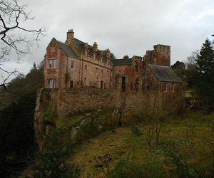 house and hawthornden castle image