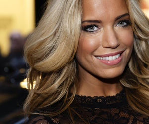 blonde, girl, and sylvie van der vaart image