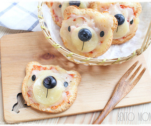 bear and pizza image