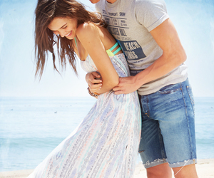 love, couple, and hollisterhousecontest image