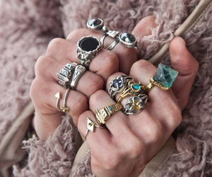 rings and style image