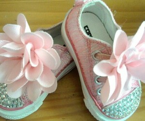 baby girl, flowers, and pretty in pink image