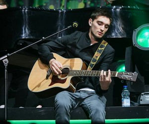 tom the wanted violão image