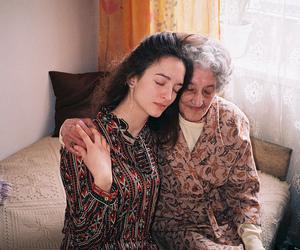 grandma and granddaughter image