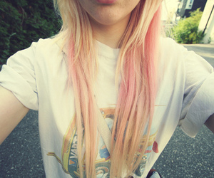 pink hair and jellypelly.com image