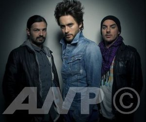30 seconds to mars, tomo milicevic, and jared leto image
