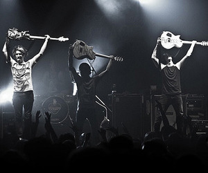 music and pierce the veil image