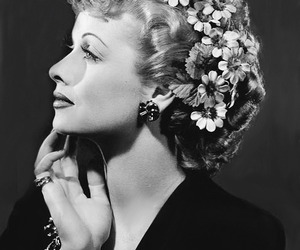black and white, flowers, and old hollywood image