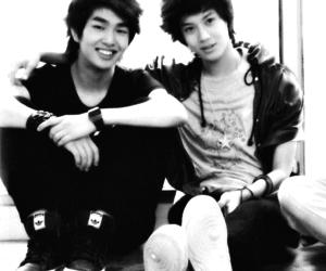 SHINee and ontae image