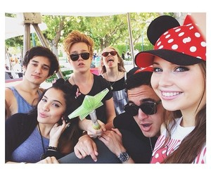 omid, stella hudgens, and sammi hanratty image