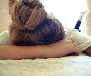 hair and sleep image