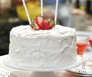 cake, cream cheese, and strawberry image