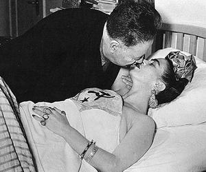 couple and Frida image
