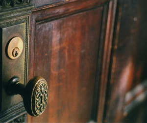door, vintage, and doorknob image