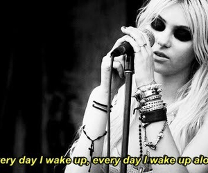 Taylor Momsen, the pretty reckless, and kill me image