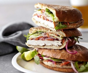 food and sandwich image