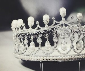 princess and Queen image