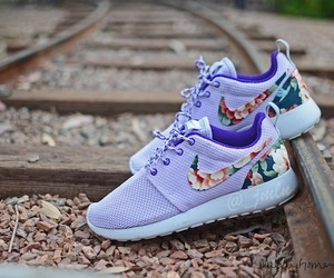 floral, popular, and roshes image