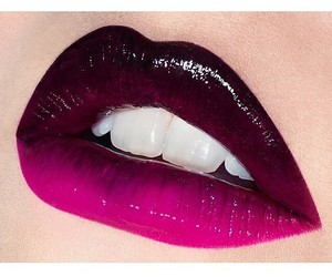lips and dark image