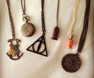 harry potter, necklace, and hogwarts image