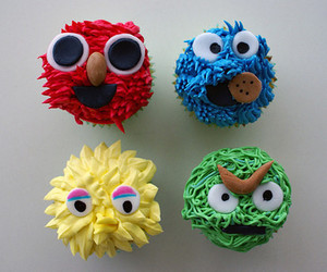 cookie monster and cupcake image