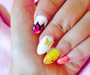 artistic nails image