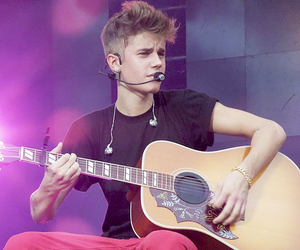 justin bieber, sexy, and beliebers image