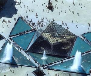 paris and pyramide du louvre image